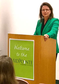 Image of Ohio Supreme Court Justice Sharon L. Kennedy speaking at a podium